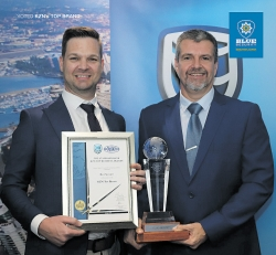 Darren Lategan Sales & Marketing Director Blue Security, and Henk van Bemmelen CEO Blue Security with the Top Brand Award 2019